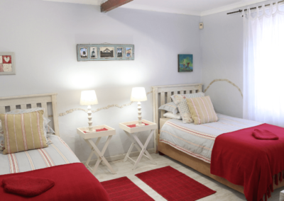 Kenton Beach Cottages Accommodation – Driftwood – Bedroom (2)