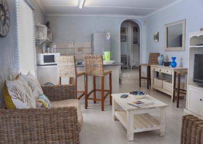 Kenton Beach Cottages Accommodation – Driftwood – Lounge