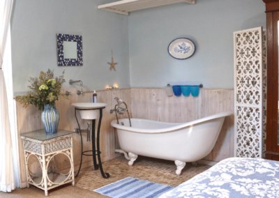 Kenton on sea Beach Cottages Accommodation – Out of the Blue – Bathroom