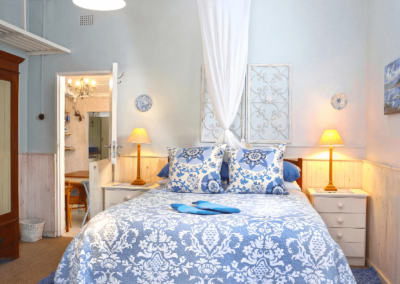 Kenton on sea Beach Cottages Accommodation – Out of the Blue – Bedroom (2)