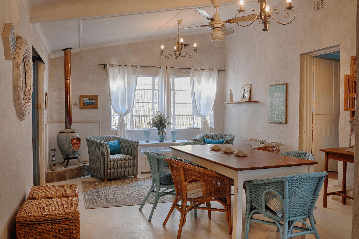 Kenton on sea Beach Cottages Accommodation – Out of the Blue – Dining Room