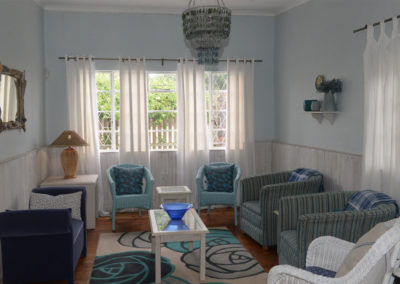 Kenton on sea Beach Cottages Accommodation – Out of the Blue – Lounge